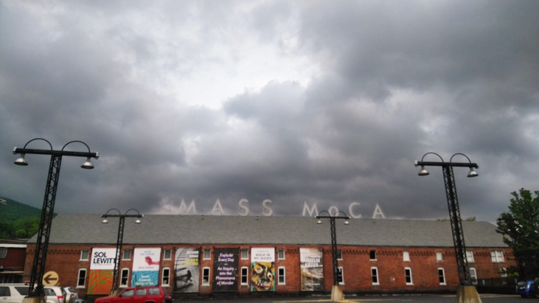 massmoca-building